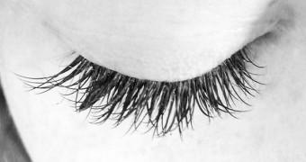 Pflegeanleitung für Wimpernverlängerung